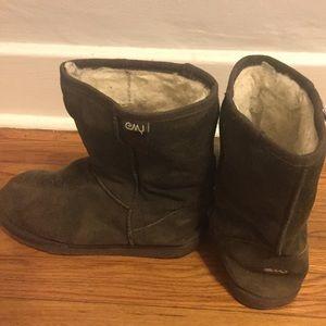 EMU Australia Bronte Lo Wool Suede Boots 9 Uggs